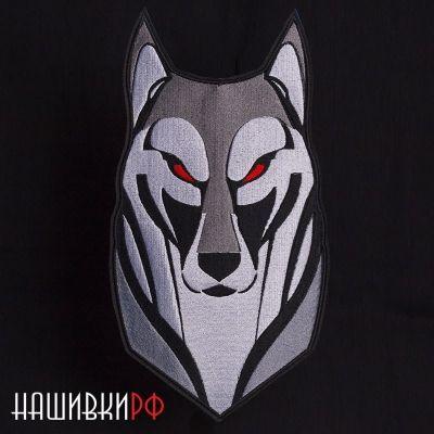 Нашивка на спину волк