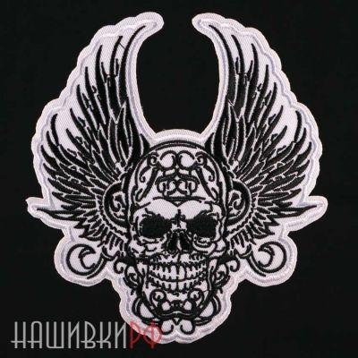 Нашивка череп с крыльями